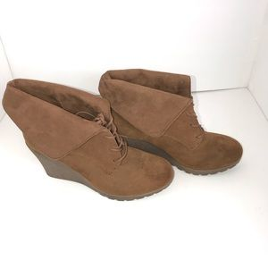Mia Chaysee Suede Wedge Ankle Booties Laces Taupe